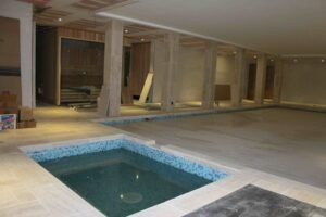 Fit out phase Swimming pool